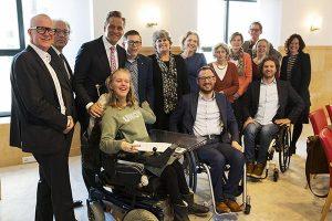 Burgemeesters Otwin van Dijk (Oude IJsselstreek) en Victor Molkenboer (Woerden), en wethouders Theo Maas (Someren) en Marleen Sanderse (Gooise Meren) Jantine Kriens, Algemeen directeur van de VNG, en Hugo de Jonge, minister van VWS en andere aanwezigen