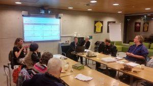 Foto van de training digitoegankelijkheid van VN-panels in Tynaarlo